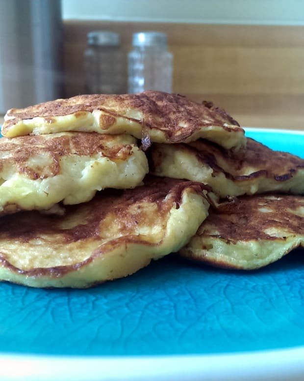 healthy-clean-eating-3-ingredient-banana-pankcakes