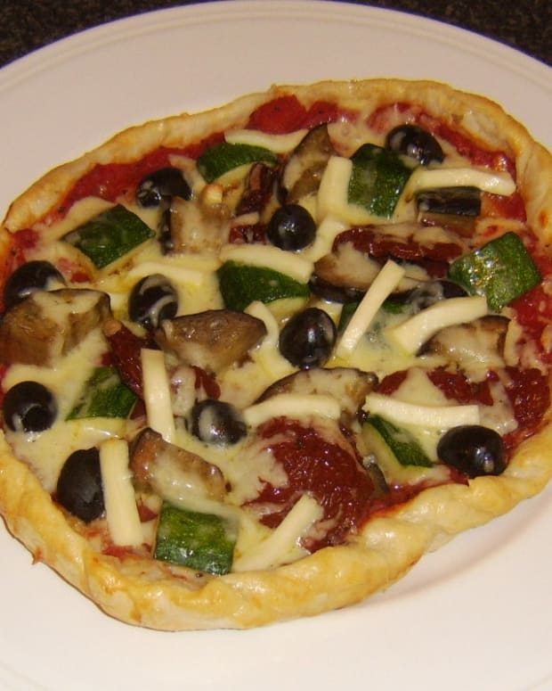 puff-pastry-pizza-mediterranean-vegetables