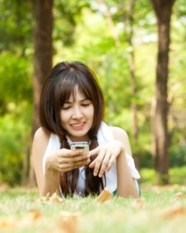 should-i-send-nude-photos-of-myself-to-a-guy-texting-pros-and-cons