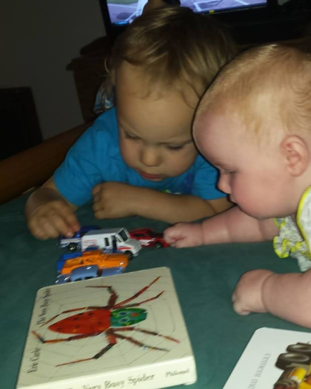 teaching-infants-and-toddlers-sign-language
