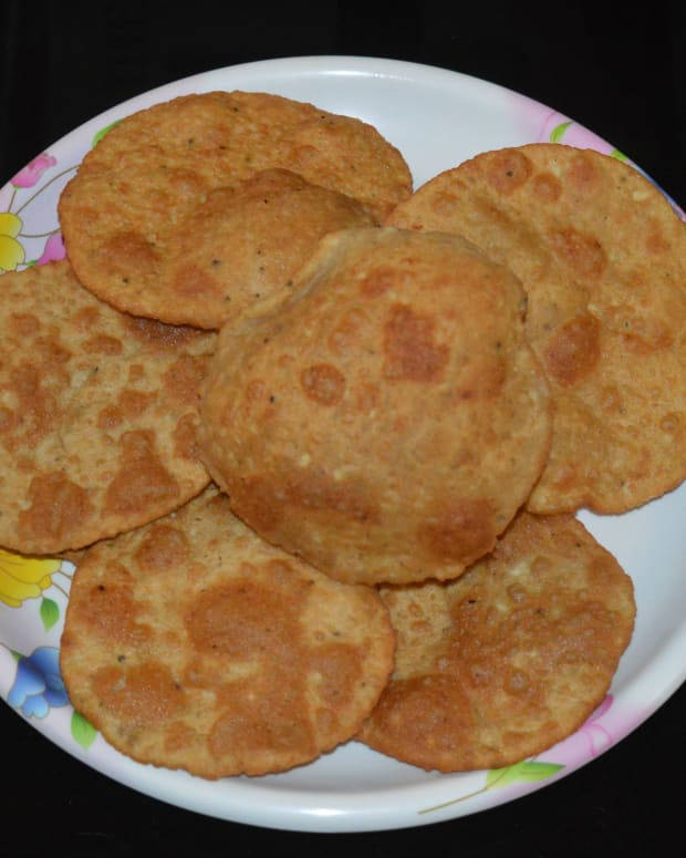 how-to-make-bedmi-poori-urad-dal-poori