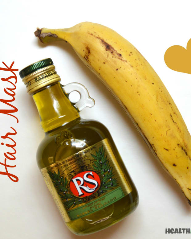 banana-olive-oil-hair-mask-for-damaged-hair