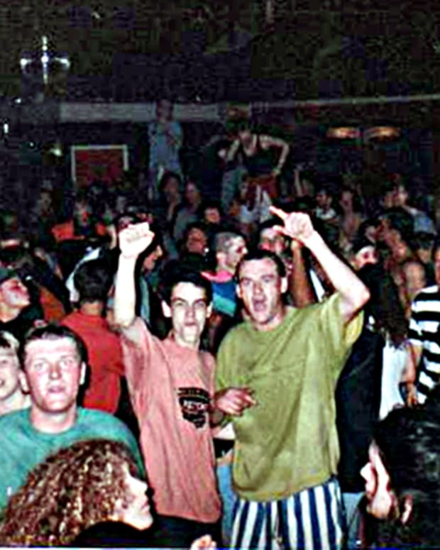 a-nostalgic-look-at-the-1990s-old-skool-house-music-and-rave-clubs-enjoyed-with-good-friends