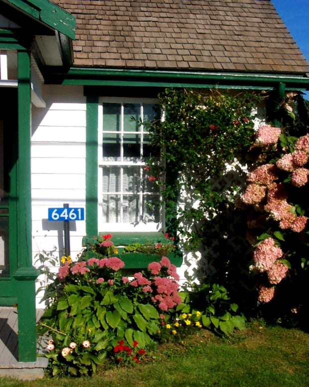 visiting-lucy-maud-mongomerys-birthplace-in-new-london-prince-edward-island
