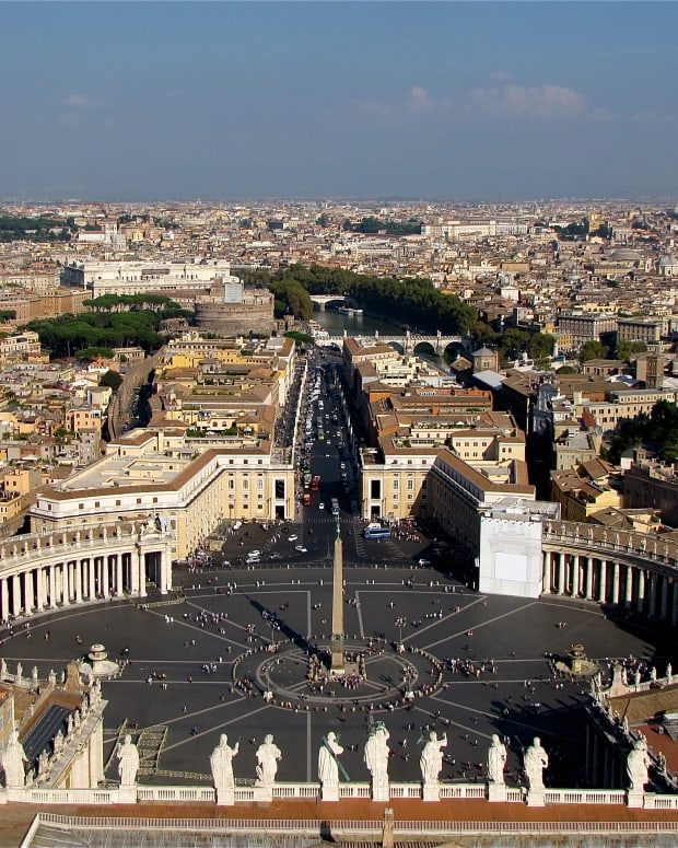 the-vatican-scavi-tour-visiting-the-necropolis-of-st-peters-basilica