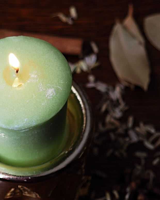 witchcraft-beginners-guide-to-candle-magic