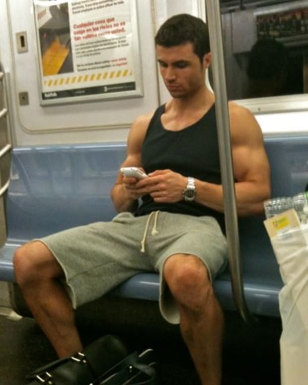 five-hot-train-guys-best-trains-in-chicago-to-meet-super-hot-men