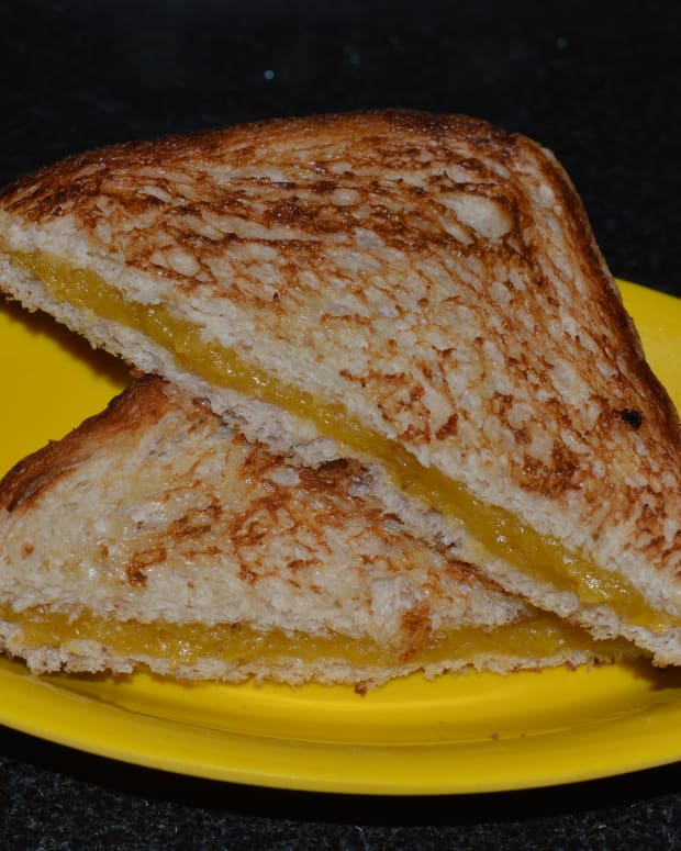 how-to-make-ripe-plantain-nendra-banana-sandwich