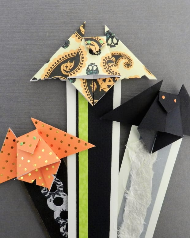 how-to-origami-bat-bookmark