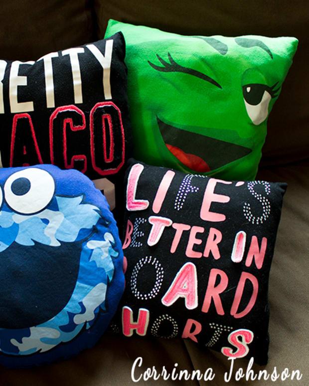 diy-t-shirt-pillows