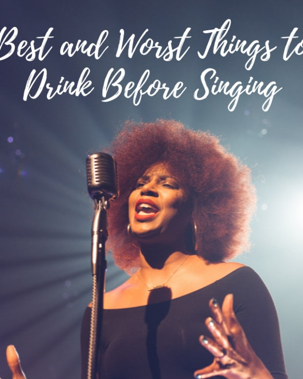 tips-for-singers-and-public-speakers-throat-lubrication-