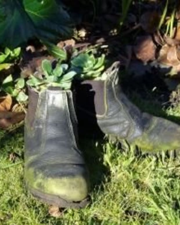 how-to-make-boot-planters-flower-pots