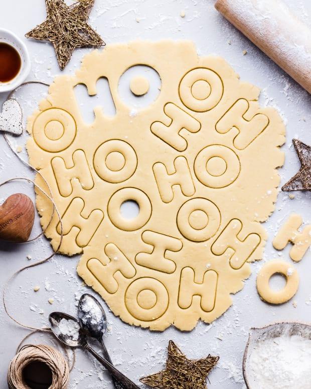 simple-sugar-cookies-for-christmas