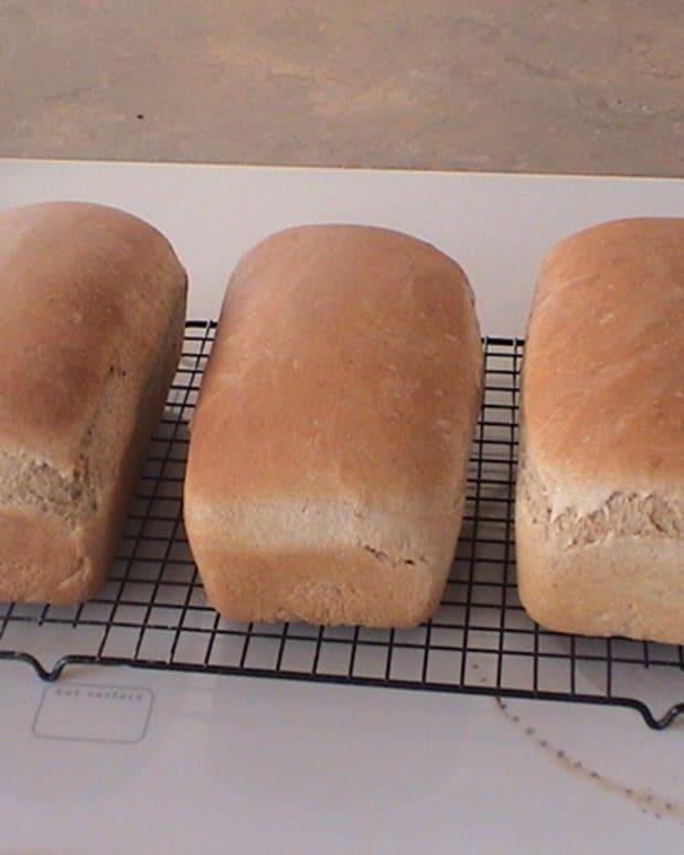 Fresh Homemade Spelt Bread