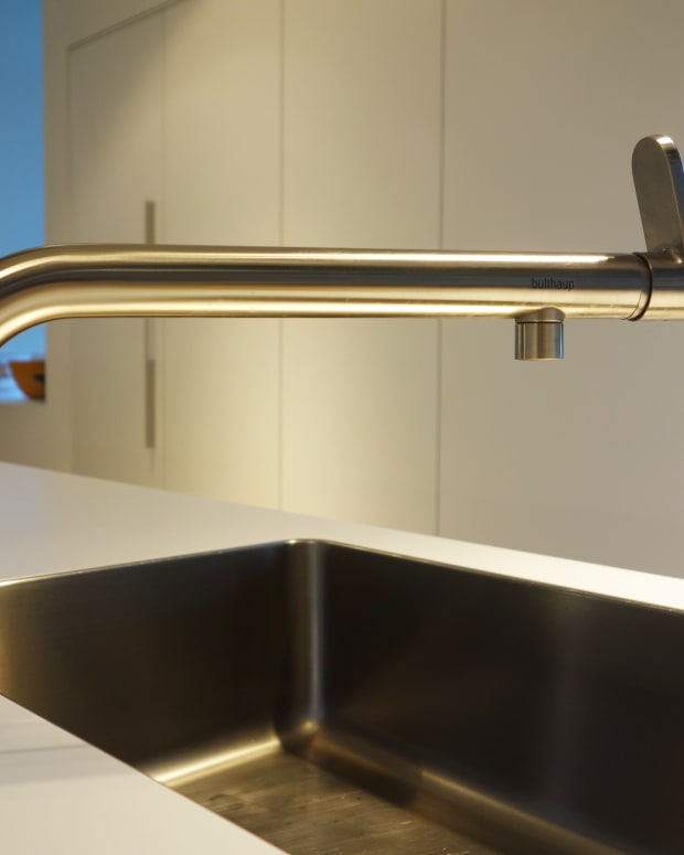 replacing-your-kitchen-faucet-with-new-plumbing-fixtures