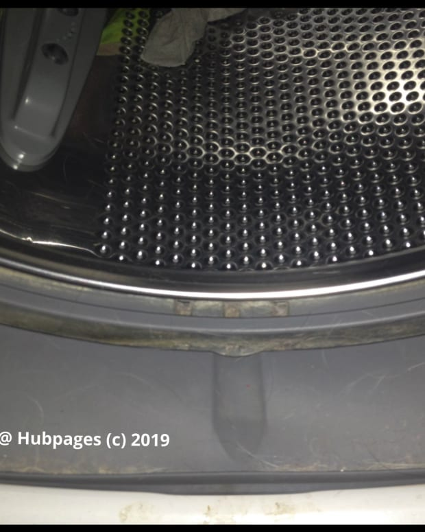 how-i-stopped-that-moldy-smell-from-my-washer-for-good