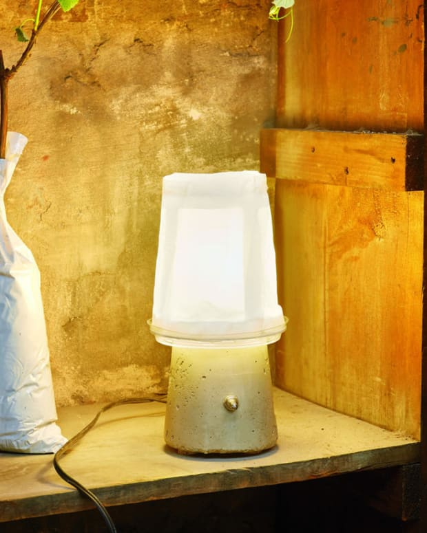 guerilla-furniture-design-yogurt-lamp-diy-projects