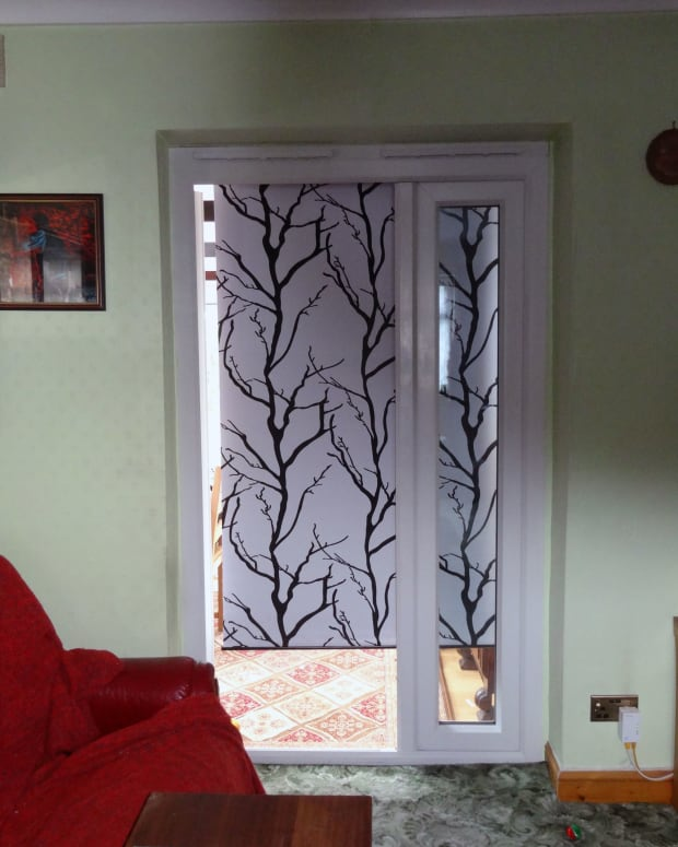 fitting-a-window-roller-blind-to-french-doors