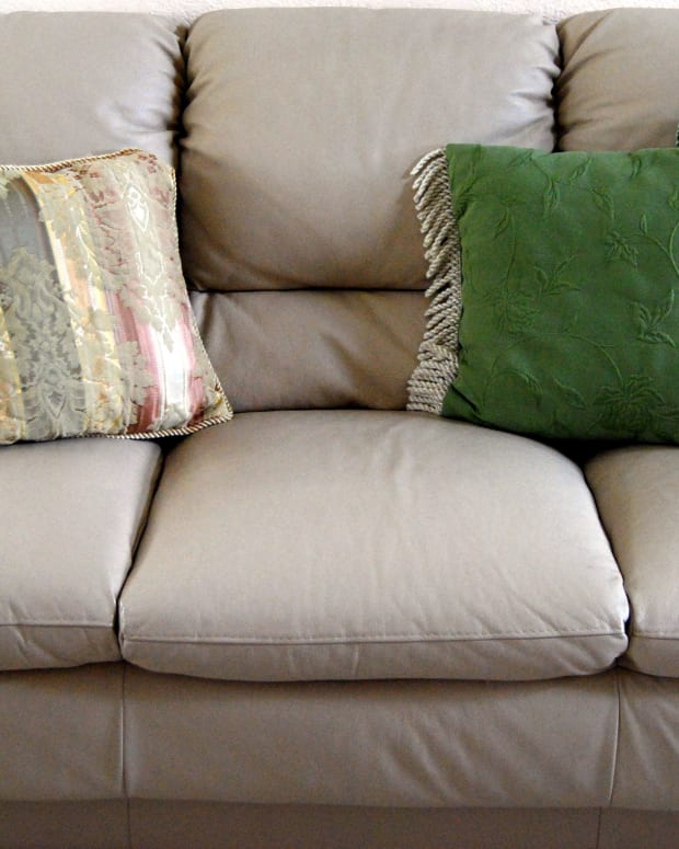 how-to-clean-your-microfiber-couch