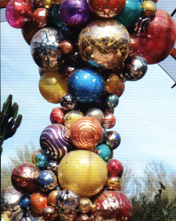 chihuly-desert-glass-sculptures-at-the-phoenix-botanical-gardens