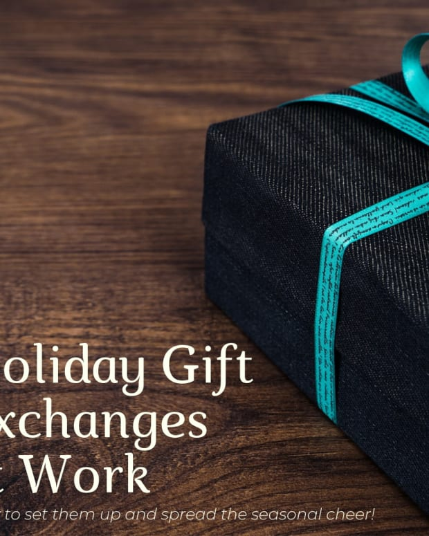 how-to-organize-a-gift-exchange-at-work-for-christmas