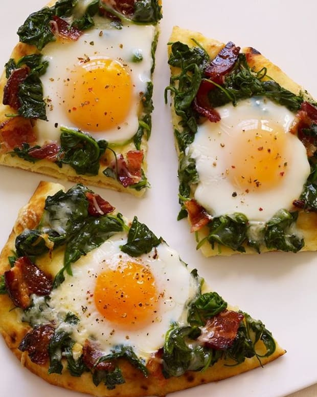 amazing-breakfast-pizza