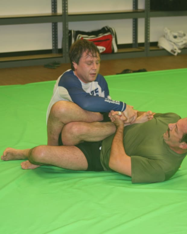 leglocks-from-combat-base-a-bjj-tutorial