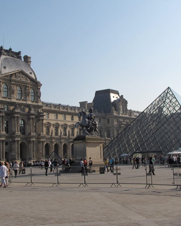 how-to-survive-a-visit-to-the-louvre