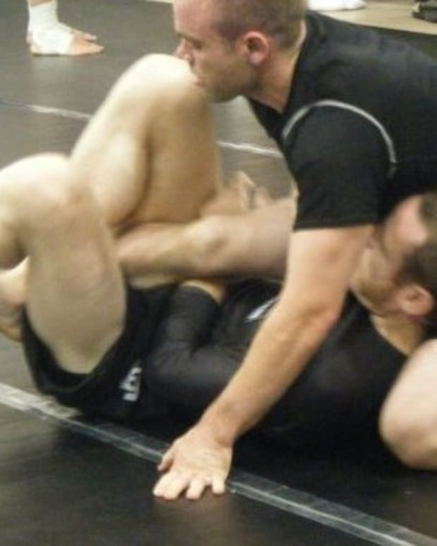 deep-half-guard-tutorial-entries-and-sweeps-sport-bjj