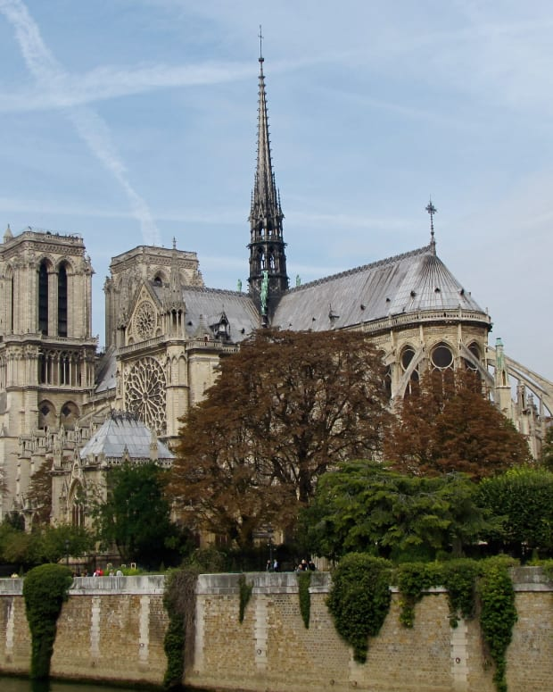 tips-for-visiting-the-notre-dame-cathedral-in-paris