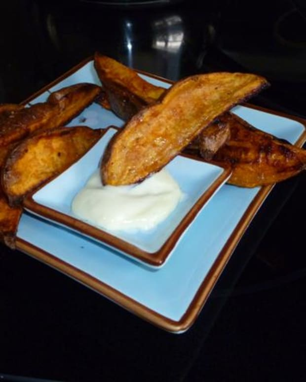 sweet-potato-wedges-with-truffle-aioli