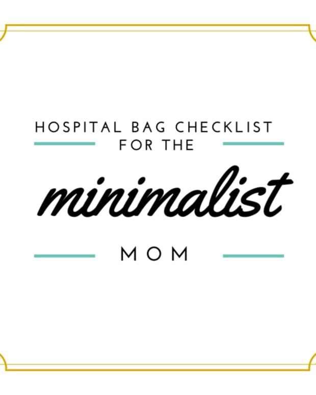 hospital-bag-checklist-for-the-minimalist-mom