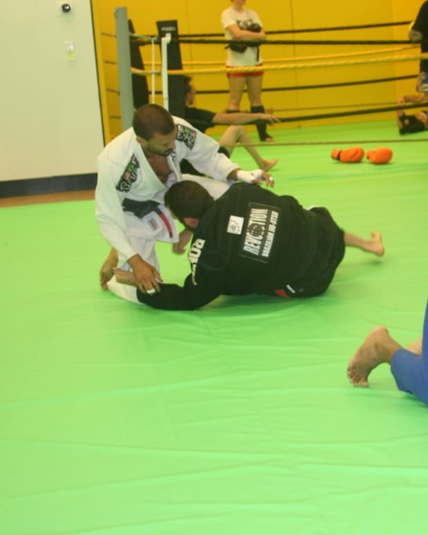 turning-away-safely-to-turtle-and-recovering-guard-a-bjj-tutorial
