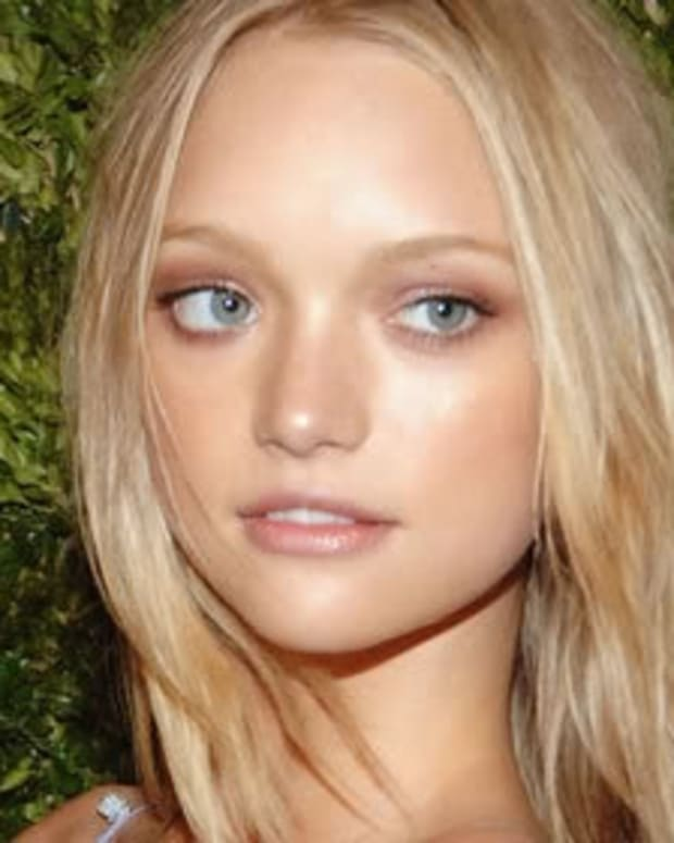 what-is-strobing-how-to-apply-strobing-makeup-as-highlighter