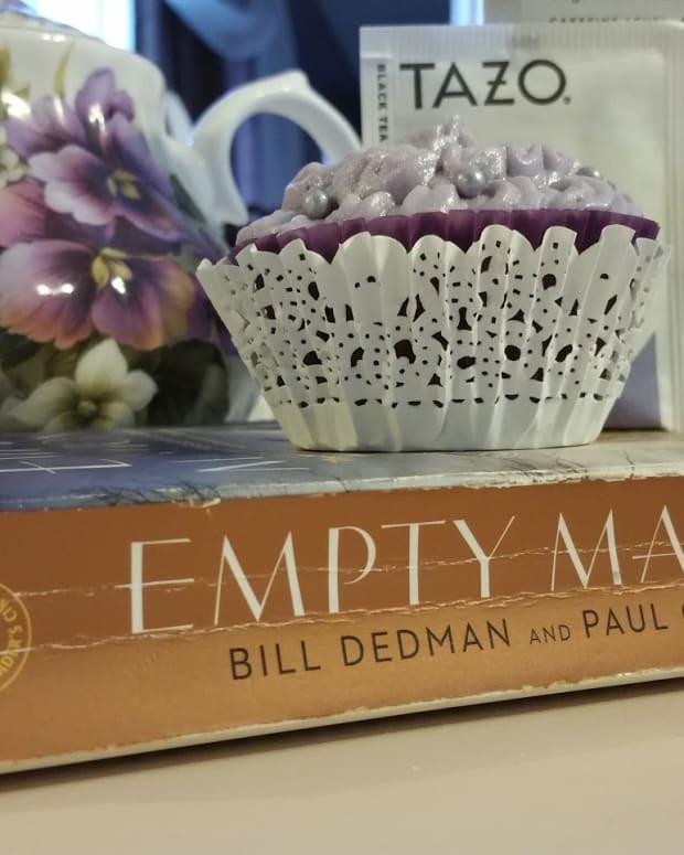 empty-mansions-by-bill-dedman