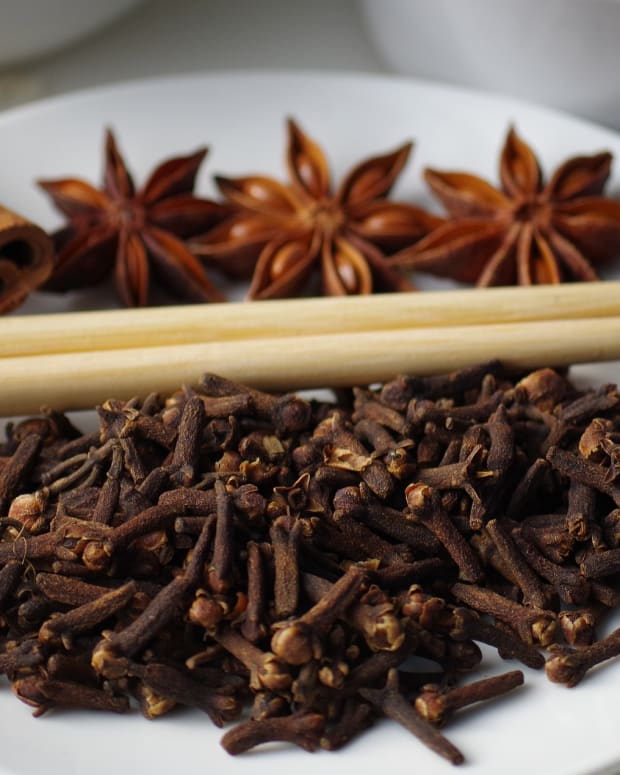 all-about-spices-the-flavors-of-christmas-cloves