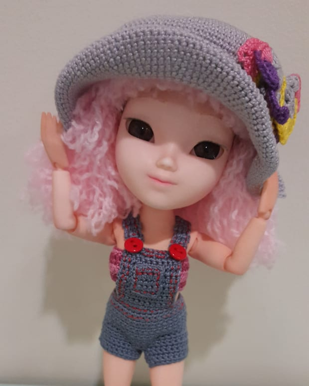 how-to-make-doll-overalls-free-crochet-pattern