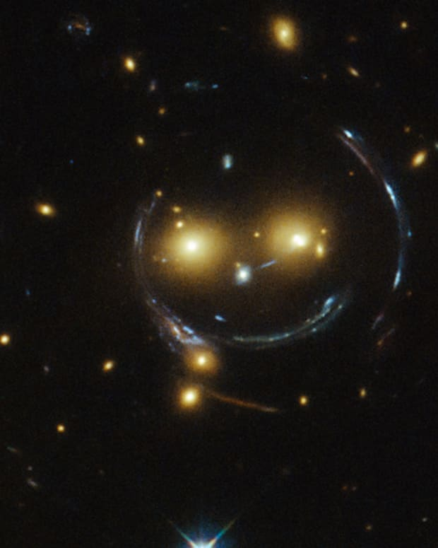 gravitational-lensing-discovery-mechanics-and-applications
