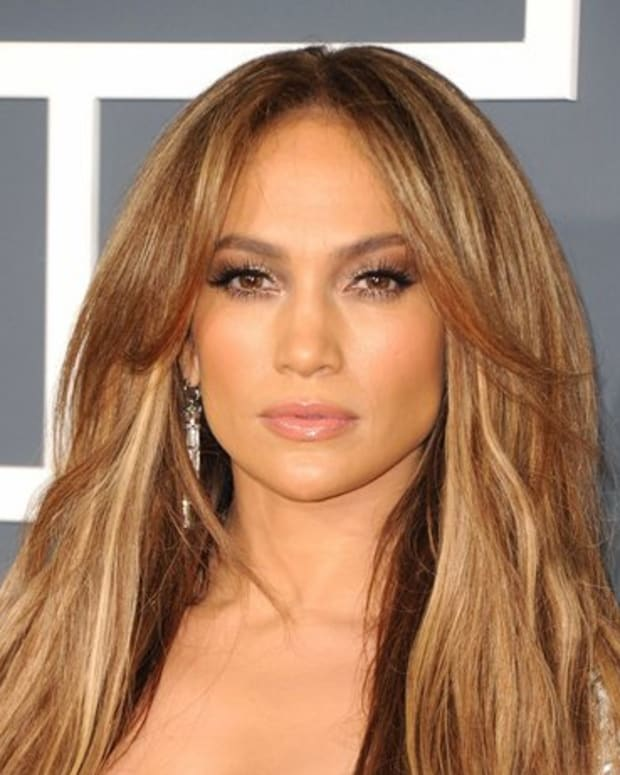 how-to-highlight-your-face-to-get-that-j-lo-glow
