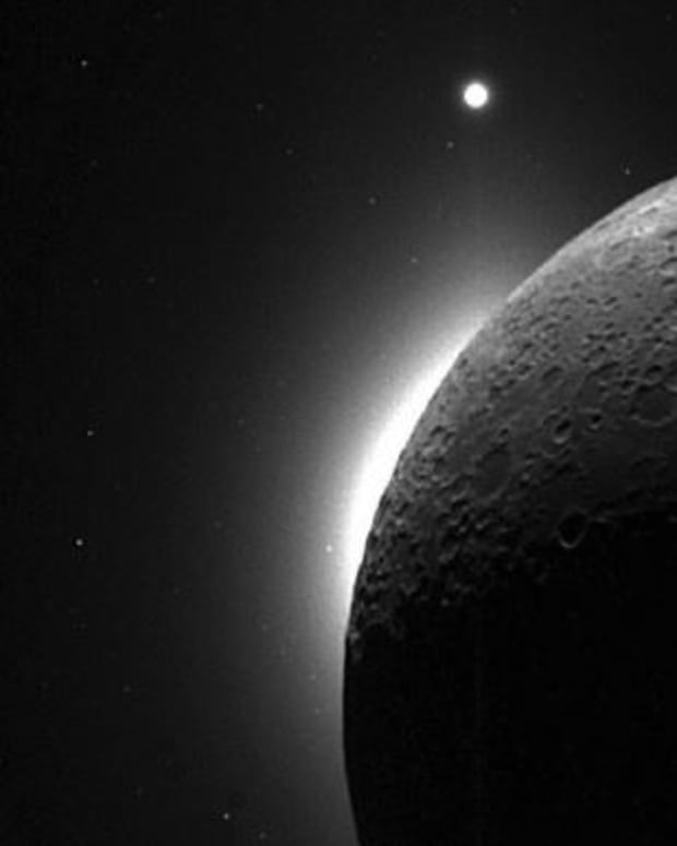 the-mysteries-of-the-moons-atmosphere