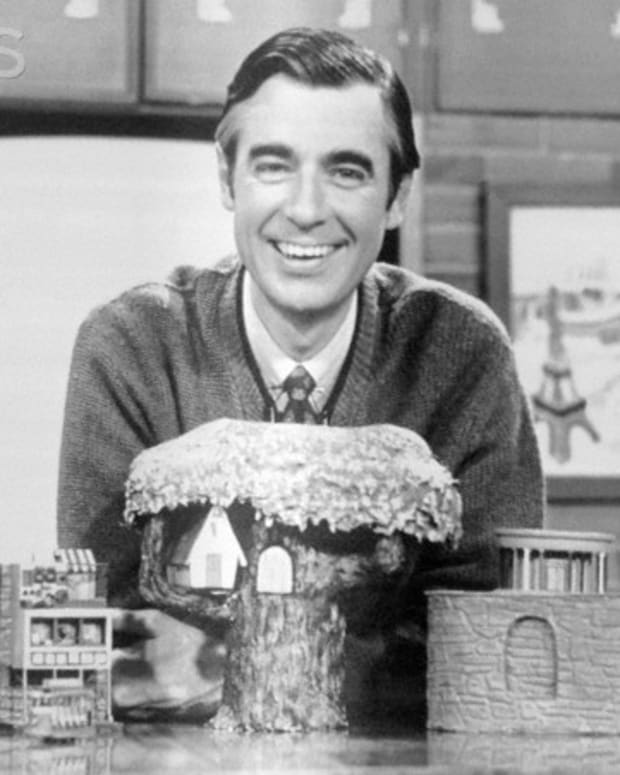 a-loving-look-at-a-true-american-hero-fred-mcfeely-rogers
