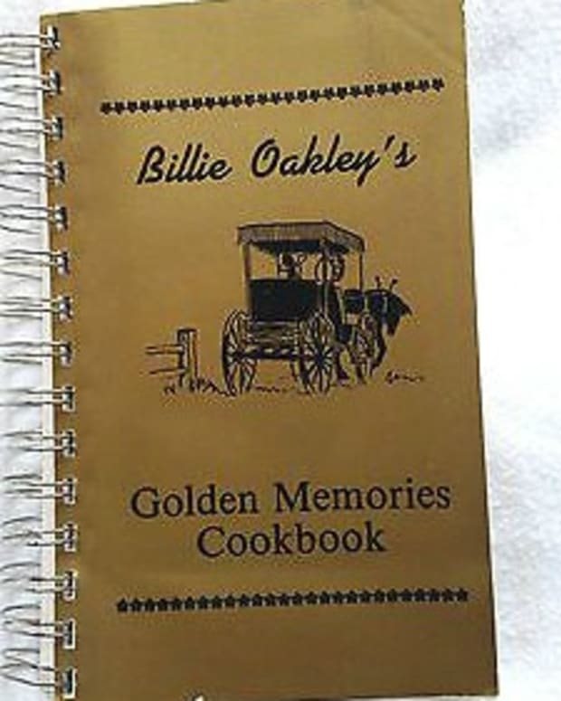 golden-memories-cookbook-by-billie-oakley