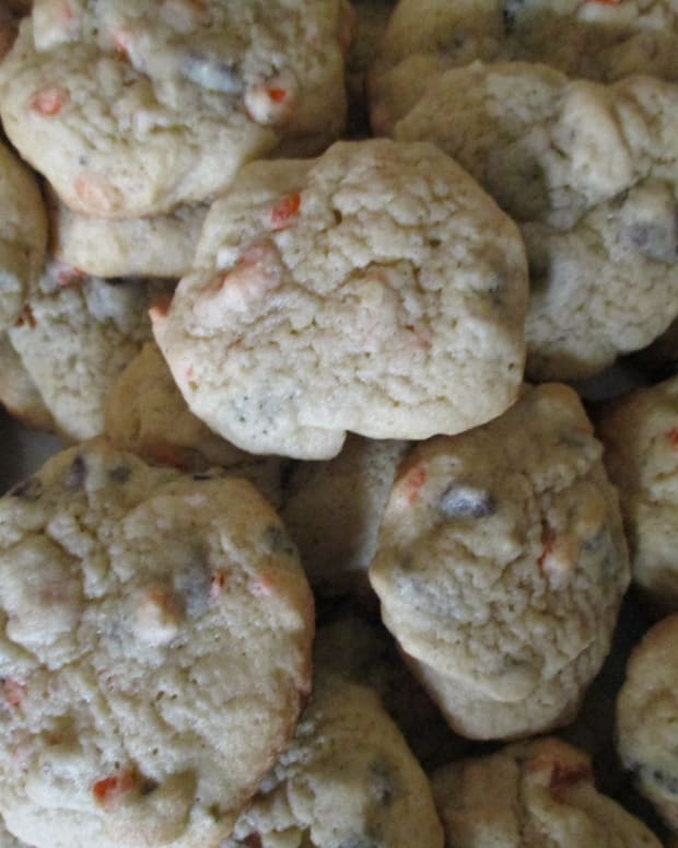 moms-cooking-how-to-make-chcolate-chip-walnut-cookies-from-scratch