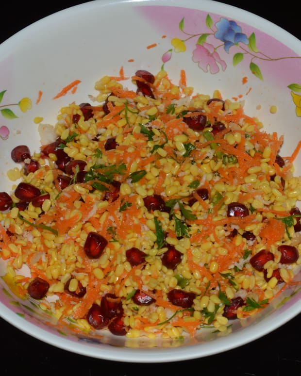 salad-recipes-green-gram-split-and-pomegranate-salad