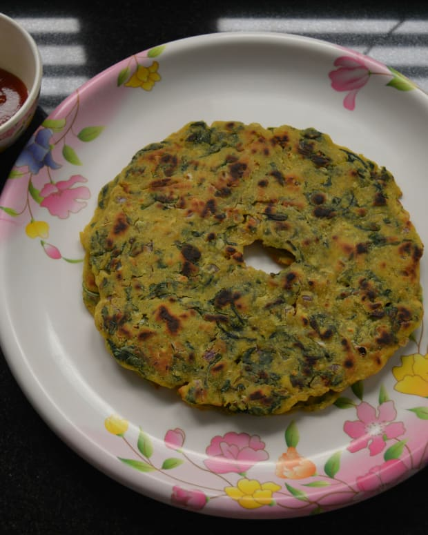 how-to-make-palak-thalipeeth-or-spinach-pancake