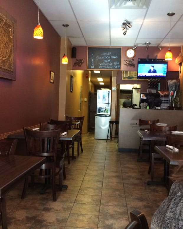 review-of-taj-curry-house-in-kingston-ontario