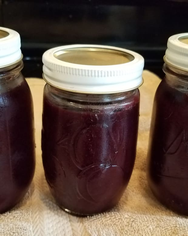 cherry-and-black-grape-jam-in-the-crockpot
