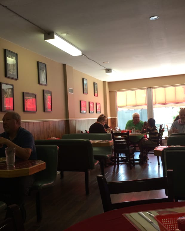 review-of-pats-restaurant-in-kingston-ontario