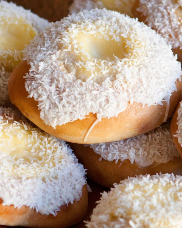 easy-to-make-skolebrd-norwegian-custard-buns