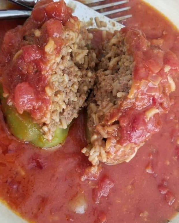 easy-stuffed-bell-peppers-with-ground-beef-and-rice